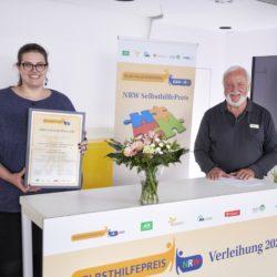 Gewinner Kategorie 4 Popchor. Überreichung der Urkunde an die Selbsthilfegruppe Popchor Lebenshunger